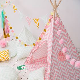Tenda Teepee Herringbone Tropical Collection - Wigiwama ambientata rosa